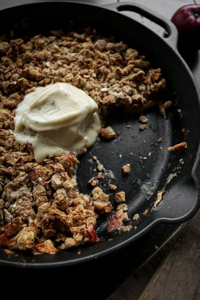 The Best Sugar-Free Apple Crisp - Unsweetened Caroline