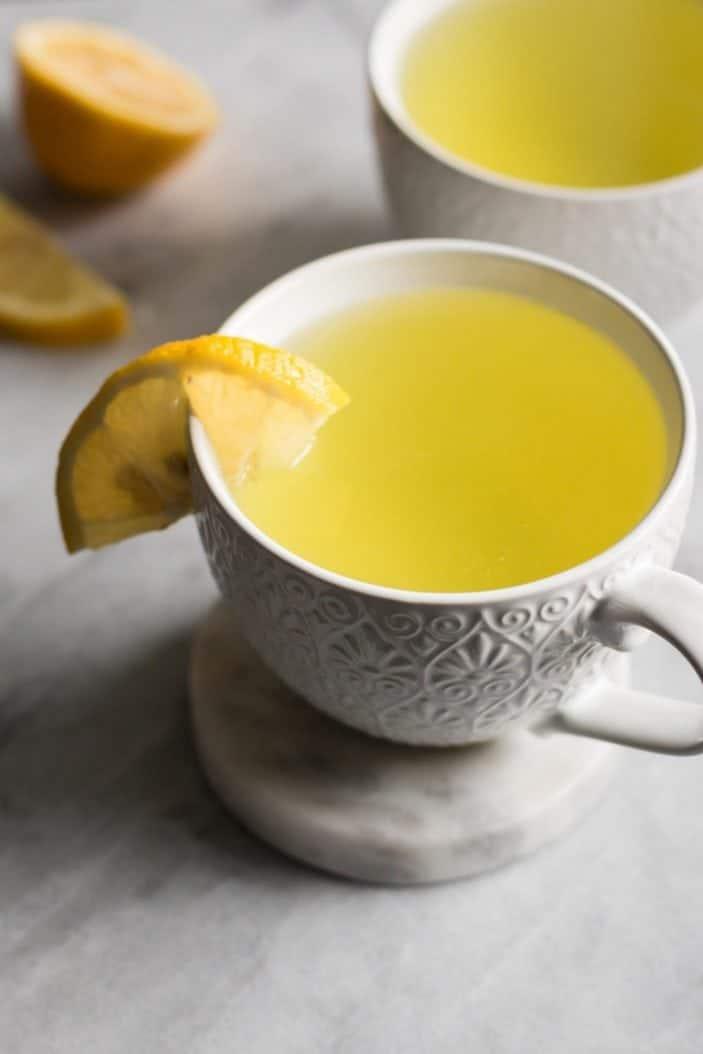 Lemon tea in cup