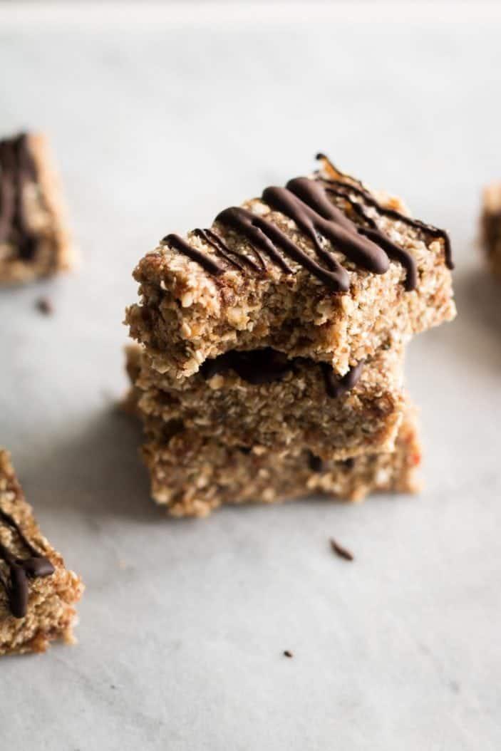 No-Bake Walnut Granola Bars - May Coffee Break