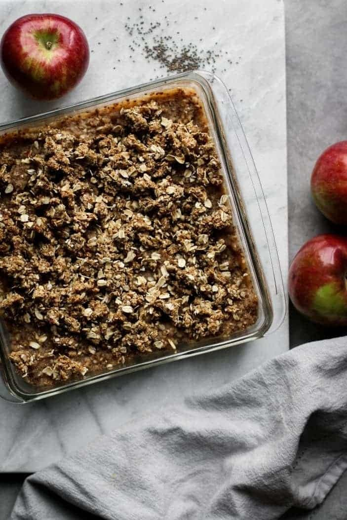 Date-Sweetened Apple Crumble Bars