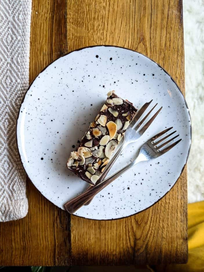 healthy while traveling - chocolate slice