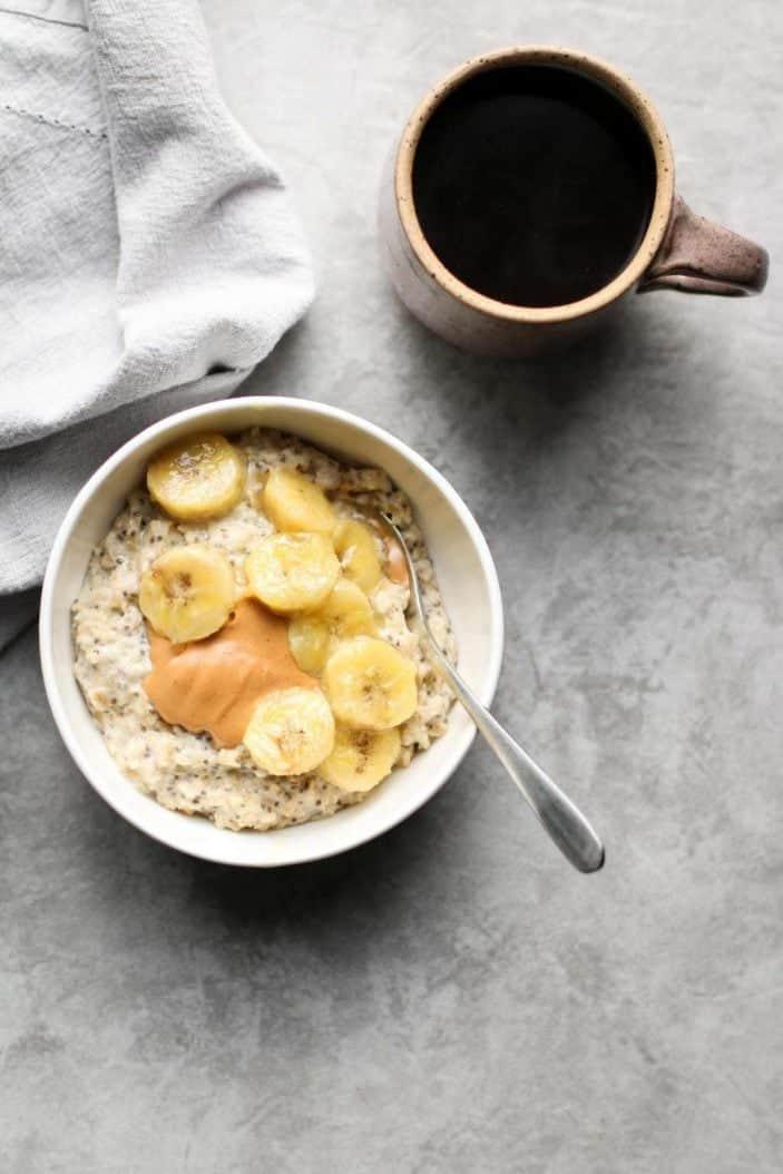 Caramelized banana oatmeal - vegan recipes to start the new year