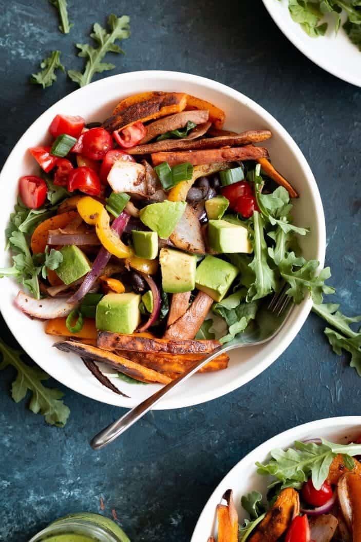 vegan fajita salad in a bowl