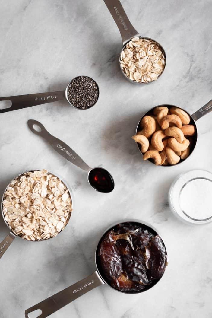 oats, cashews, chia, vanilla, dates