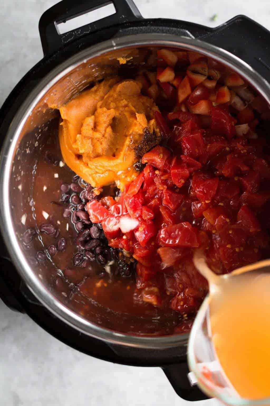 Slow Cooker Vegetarian Pumpkin Chili