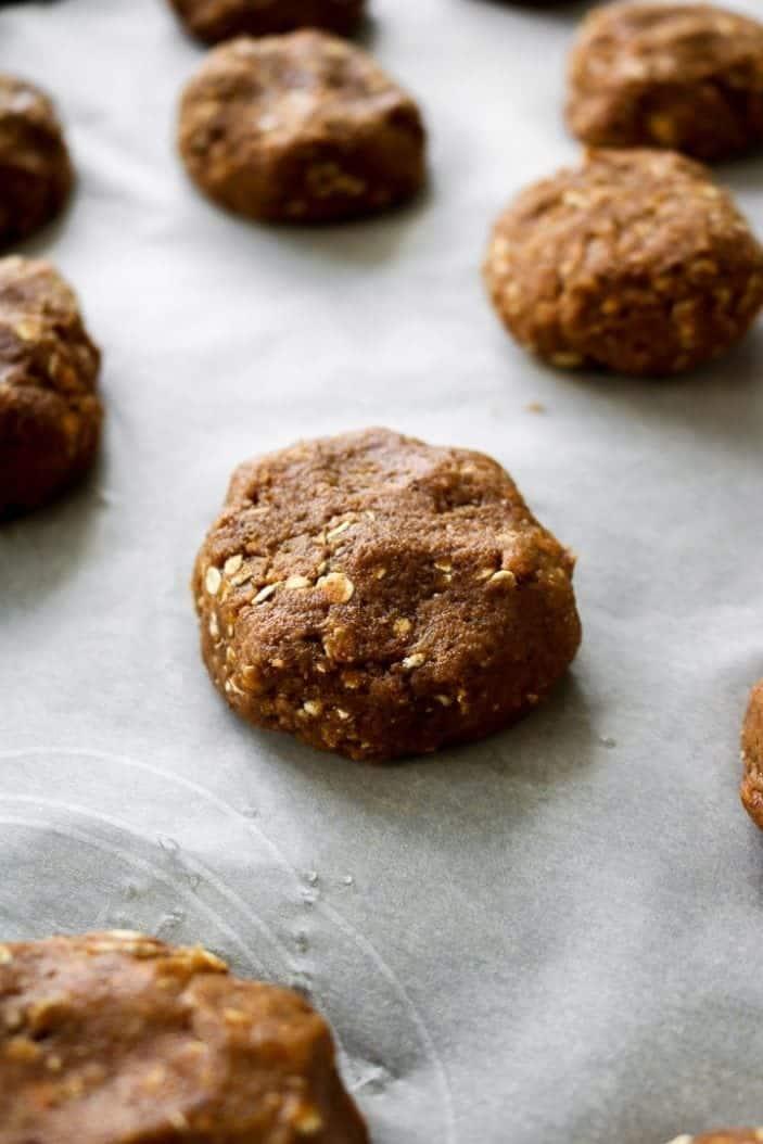 Spelt Oatmeal Pumpkin Cookies (Date-Sweetened!) - Unsweetened Caroline