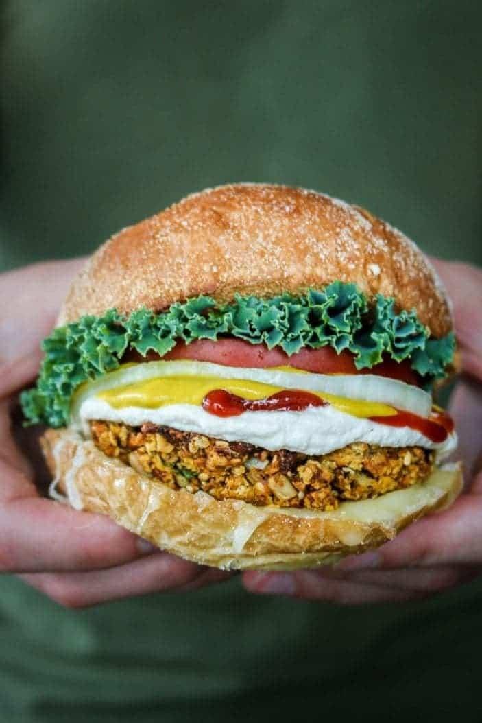 Crispy Chickpea Burger (gluten-free, vegan) - Unsweetened Caroline